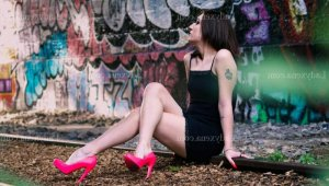 Imenne massage tantrique ladyxena escorte girl